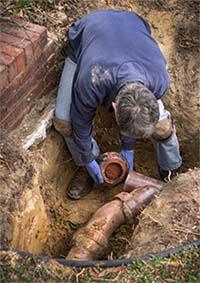 plumber repairing sewer in scotts valley ca